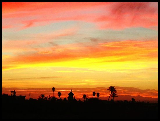 Riad Villa El Arsa : Sunrise from the terrace
