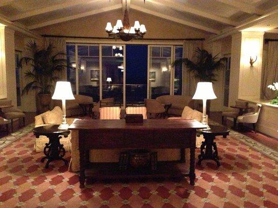 Montage Laguna Beach: Hotel Lobby late night