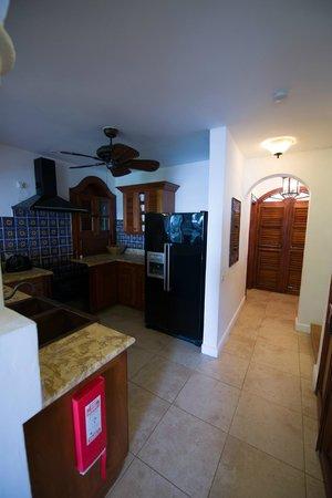 Cap Maison: Kitchen space