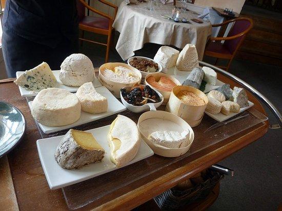 Hostellerie de la Poste : le plateau de fromages (extraordinaire)