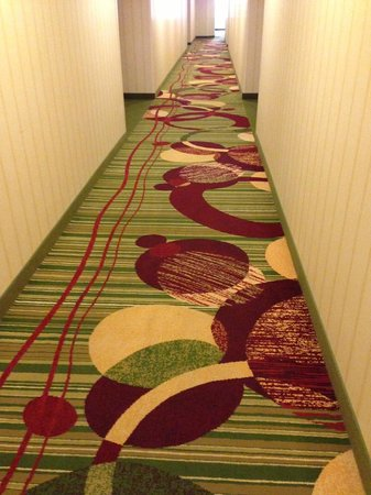 Residence Inn Irvine John Wayne Airport/Orange County: Don't look down if you've been drinking!
