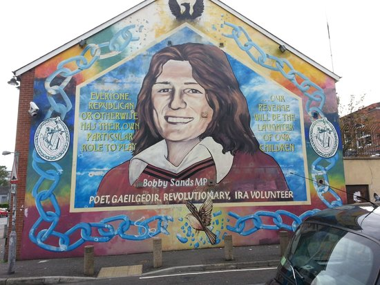 Shankill road murals picture of belfast mural tours for Belfast mural tours