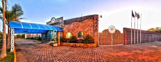 Hotel Escuela Marbella: Fachada hotel