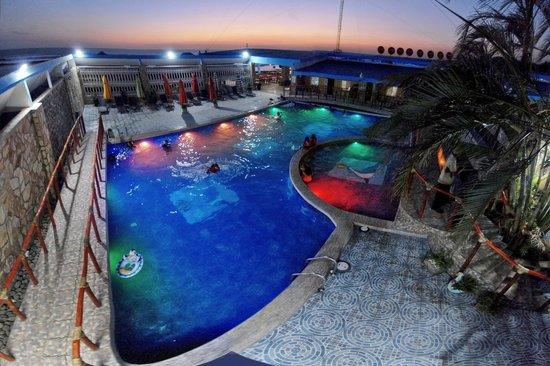 Hotel Escuela Marbella: Piscina