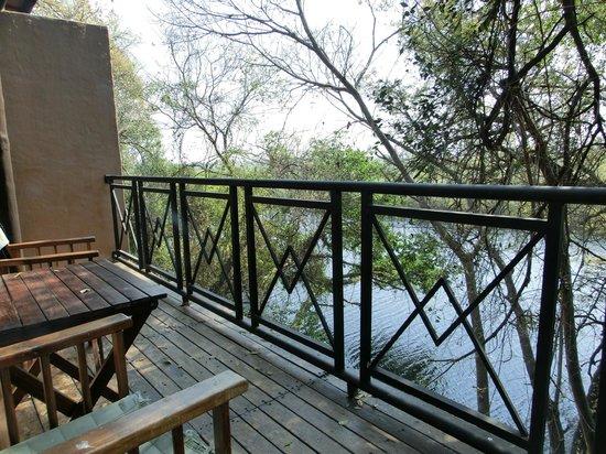 Namushasha River Lodge: Blick aus unserem Zimmer