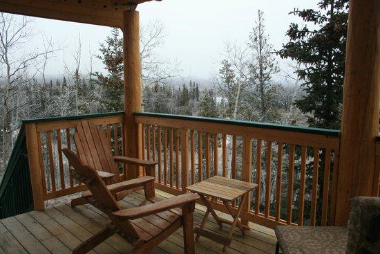Muktuk B&B and Cabins: Scenic balcony