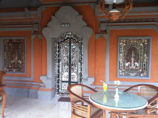 Puri Saraswati Bungalows: terrasse