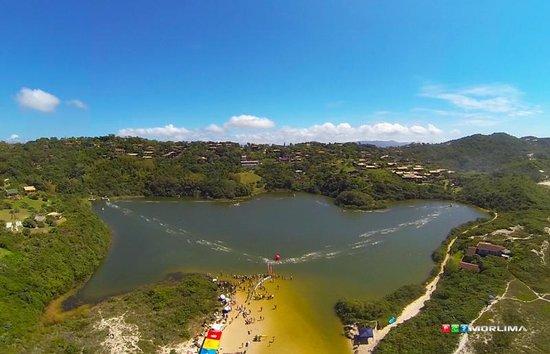 Meio Lake: Lagoa do Meio  |   Praia do Rosa, Imbituba, Santa Catarina, Brasil