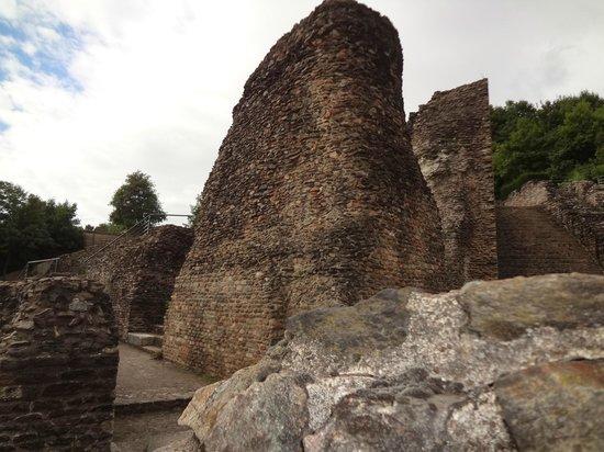Museum of Gallo-Roman Civilization: Vista de parte do anfiteatro