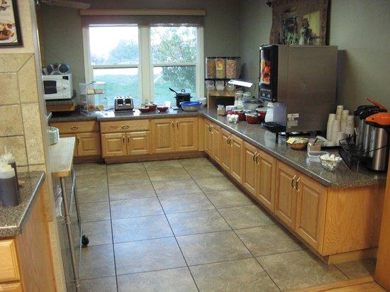 Abbey Inn: Breakfast area
