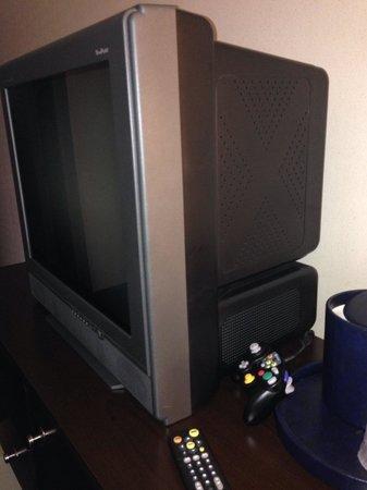 Dayton Grand Hotel : TV set