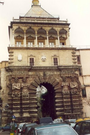 Palermo by Bike: PORTA NUOVA.