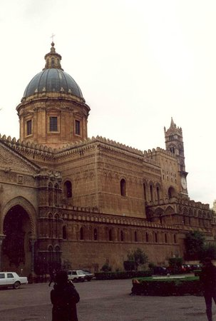 Palermo by Bike: CATTEDRALE.