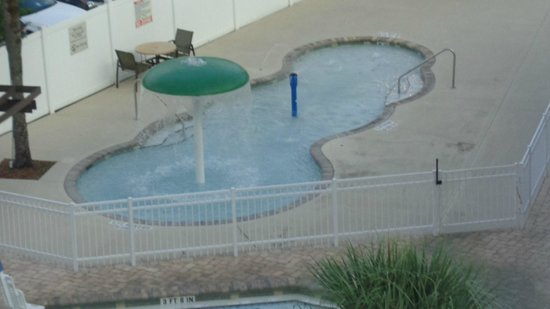 Holiday Inn & Suites Across from Universal Orlando: Piscina