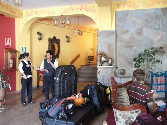 Hotel Warari Lobby