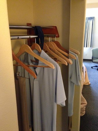 Comfort Suites Airport: Closet is too shallow - clothes stick out when door is open