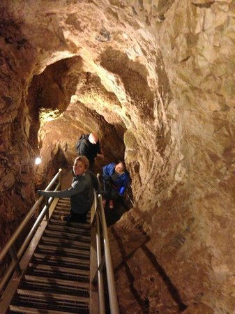 Sitting Bull Crystal Caverns : Lots of stairs, but an easy walk.