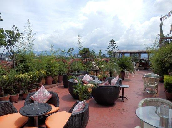 Hotel Tibet : Jardín del Hotel