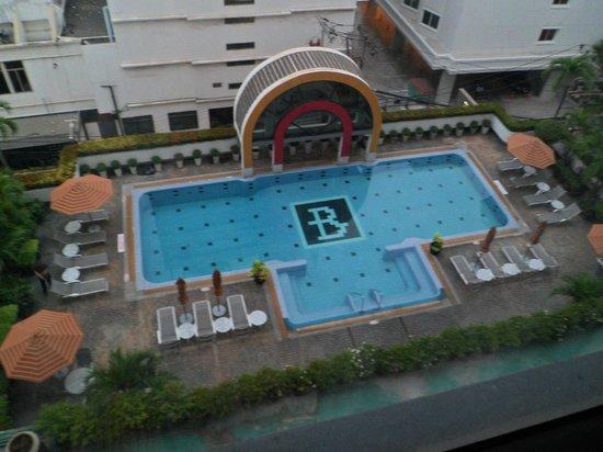 BelAire Bangkok : BelAire pool