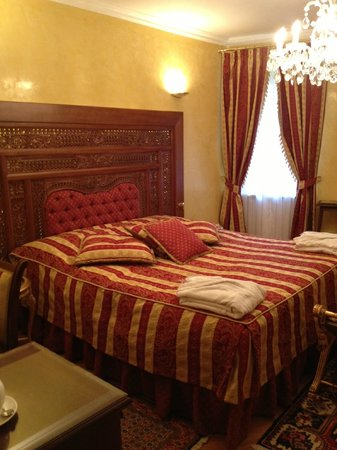 Alchymist Prague Castle Suites: Master Bed