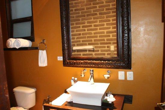 Quinta San Carlos: lavavo con todas sus amenidades personales
