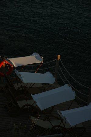Xanadu Island: Sun loungers....