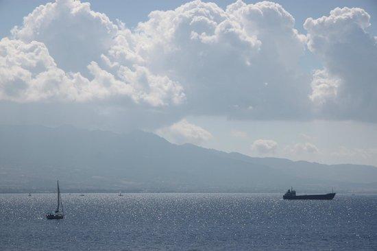 Xanadu Island Hotel: Wild sky....