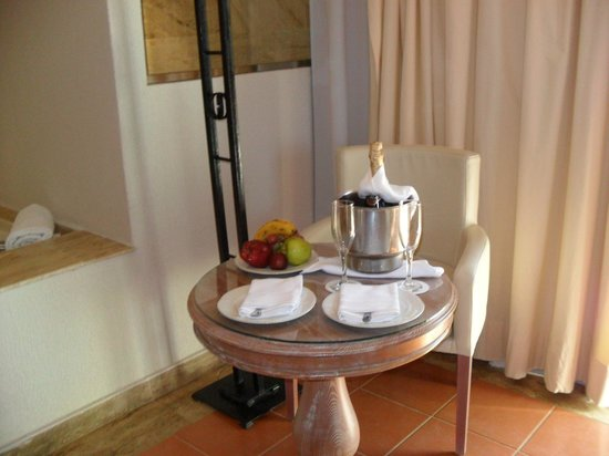 Excellence Punta Cana: Welcome Champagne
