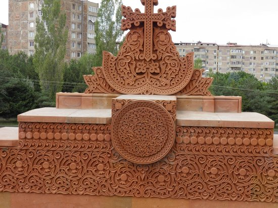 Tufenkian Historic Yerevan Hotel : Stone carving of the church
