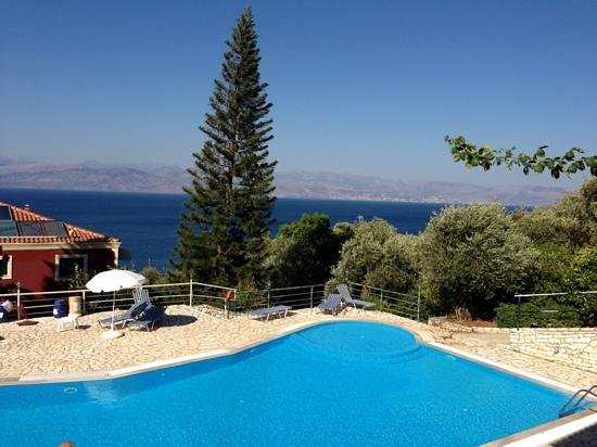 Apraos Bay Hotel: pool top place