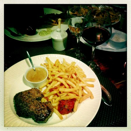 La Cloche d'Or : Steak with fries
