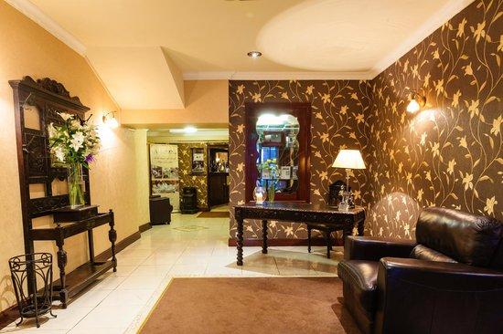 Cawleys Guest House: Lobby