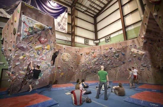 Timonium, MD: Bouldering Cave