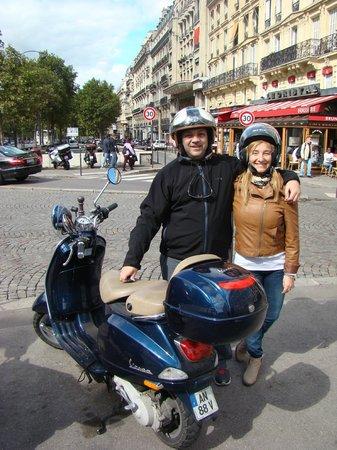 Paris by Scooter: todos unos motociclistas!!