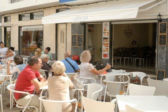 Avenida Cafe