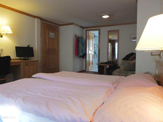 Hotel Restaurant Derby : 'unser' Zimmer