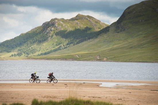 Aviemore, UK: Bikerafting adventure around Ben alder