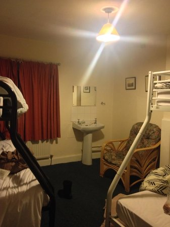 The Hop Pole: What the room actually looked like! nothing like the photos on booking.com