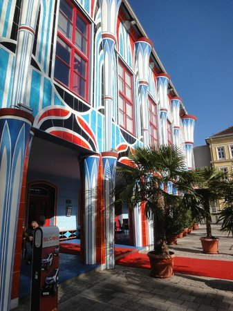 Kunsthotel Fuchspalast : Hotelfront