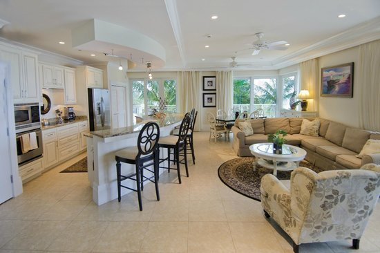 Caribbean Club: Villa Living room/kitchen