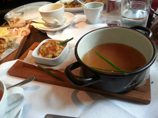 Hotel Hollmann-Beletage: Broth at breakfast one day