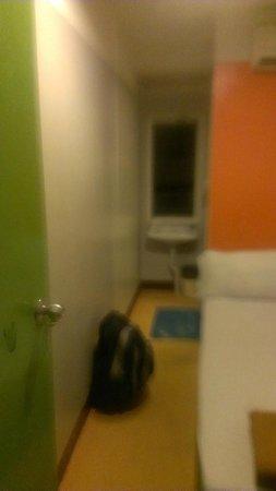 Welcome Sawasdee Inn: Cramped space, no hot water to basin