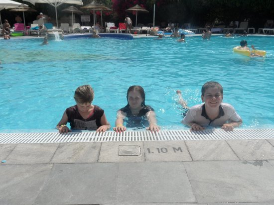 Paphos Gardens Holiday Resort: The kids