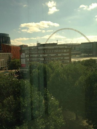 Premier Inn London Wembley Park Hotel : View from bedroom window