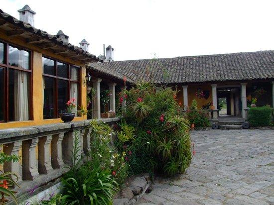 Hacienda San Agustin De Callo: The exterior