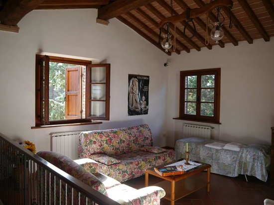 Agriturismo San Michele : Sitting Room Apartment 1