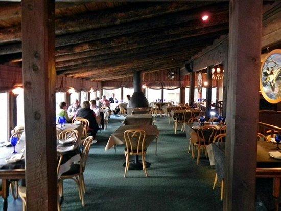 Rapids Lodge Restaurant : Dining Area