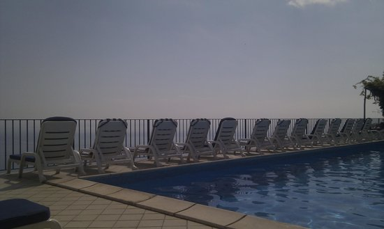 Graal Hotel Ravello: The pool area