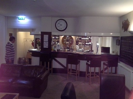 The Waterwheel Restaurant: Bar