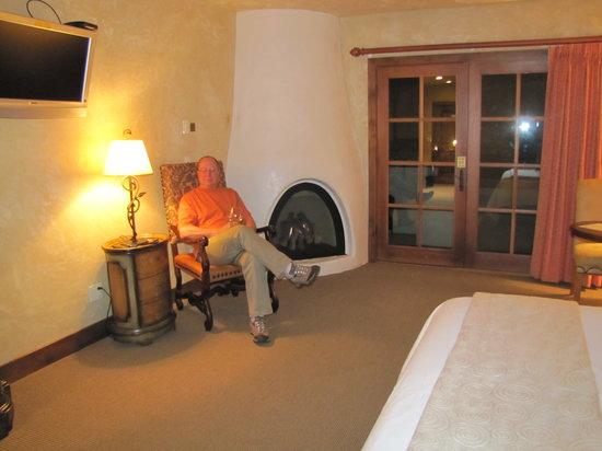 Hotel Chateau Chamonix : fireplace
